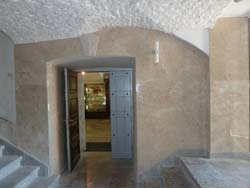 Порталы из камня