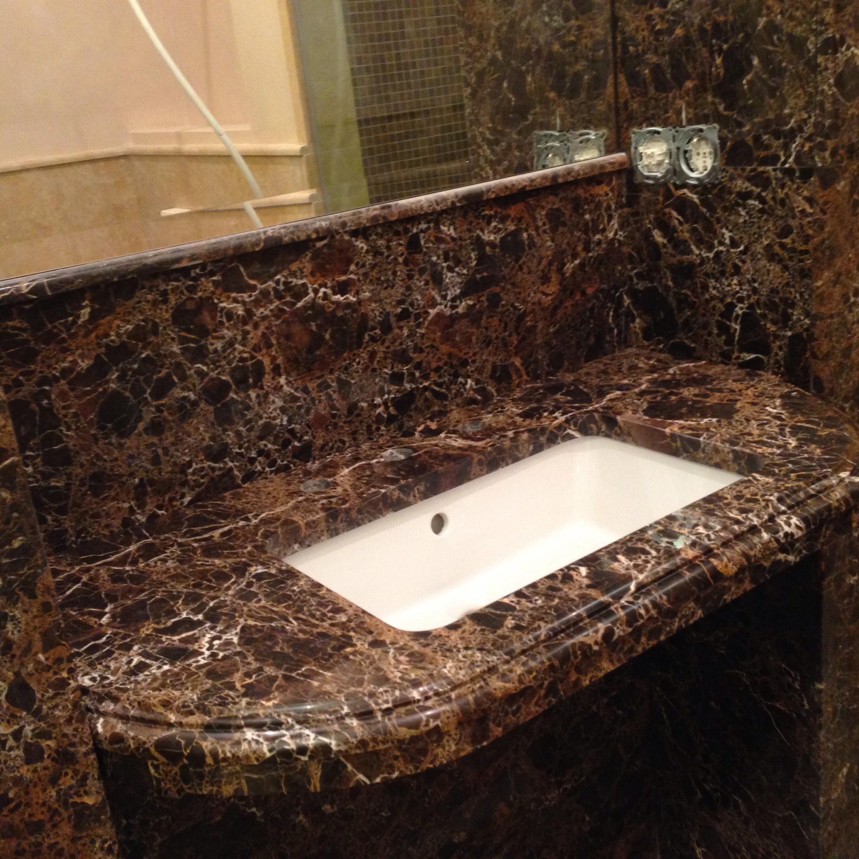 Цельная столешница с раковиной из гранита в ванную столы обеденные италия мраморная столешница